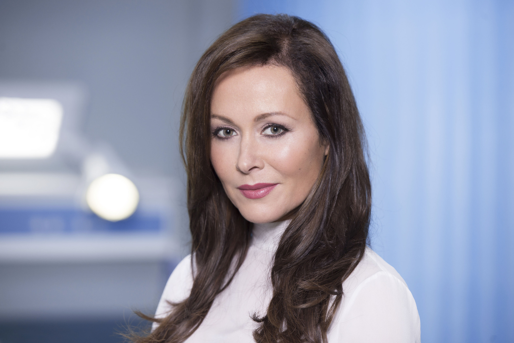 amanda mealing leaving casualty