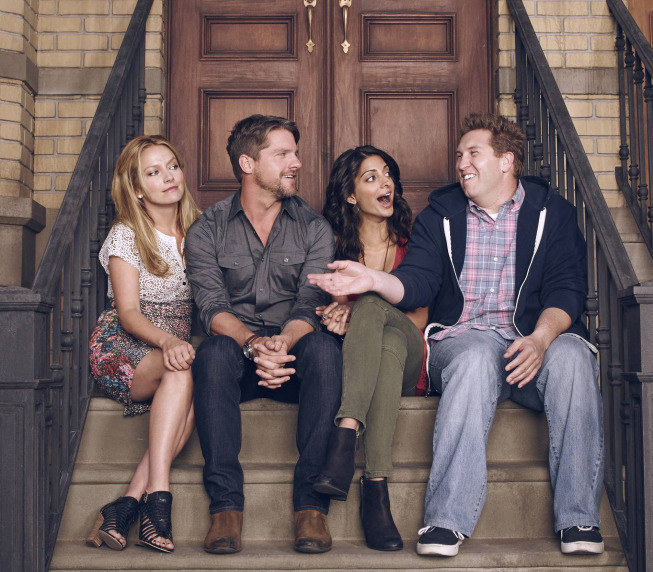Weird Loners Photos Tease Quirky Neighbors In New Fox Comedy #31377