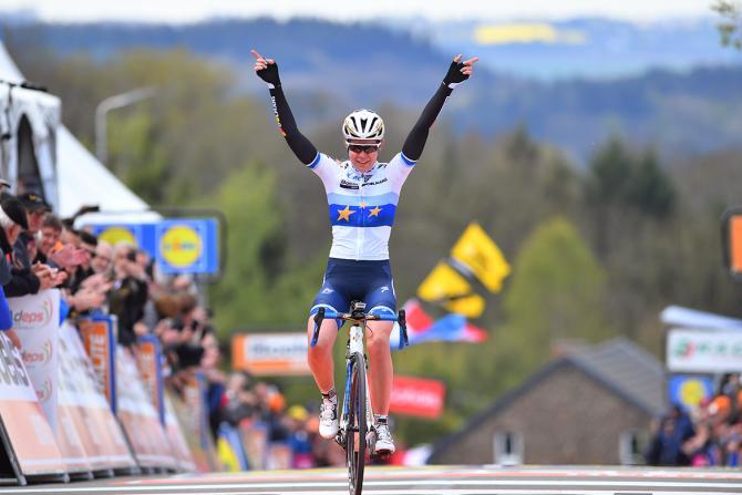 Anna van der Breggen wins La Flèche Wallonne.