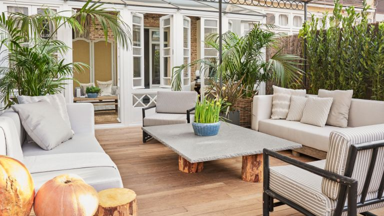 decking area with outdoor seating