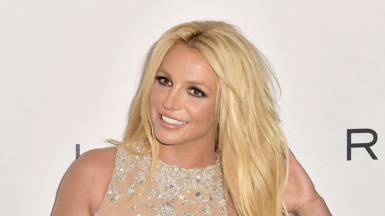 Britney Spears poses nude for birthday suit photoshoot on Pacific vacation
