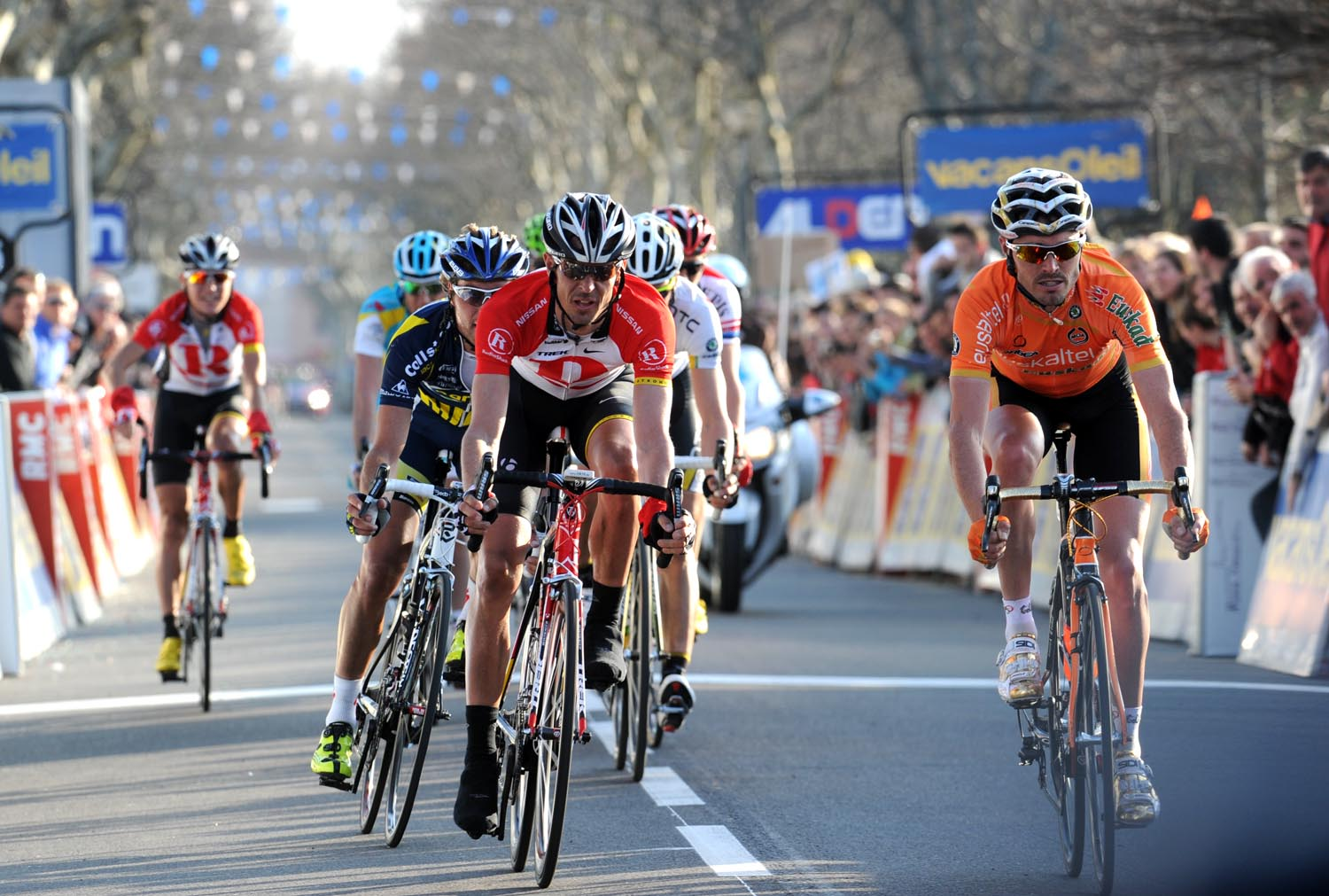 Andreas Kloden wins and takes race lead, Paris-Nice 2011, stage five
