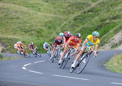 Alberto Contador descends Col d'Aubisque, stage 16, Andy Jones at the Tour de France 2010