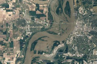 The Thematic Mapper on Landsat 5 captured this image of Memphis after the floods on May 10, 2011.