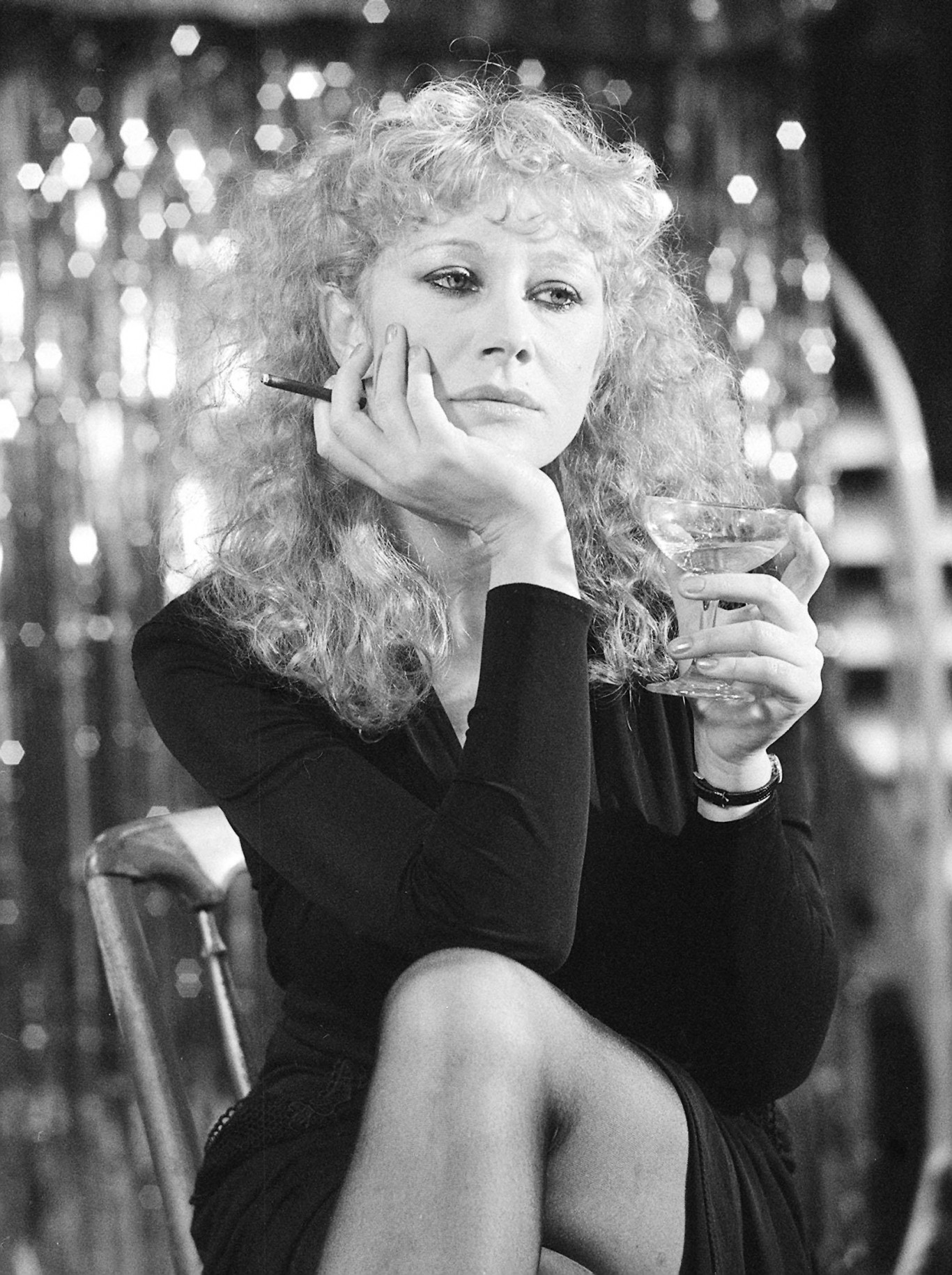 Helen Mirren looking glam on set of 1979 film Hussy