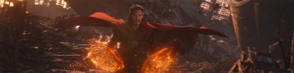 Doctor Strange (Benedict Cumberbatch) flies in Avengers Infinity War