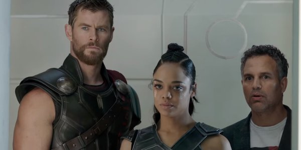 Thor: Ragnarok Thor Valkyrie and Bruce stare down Loki