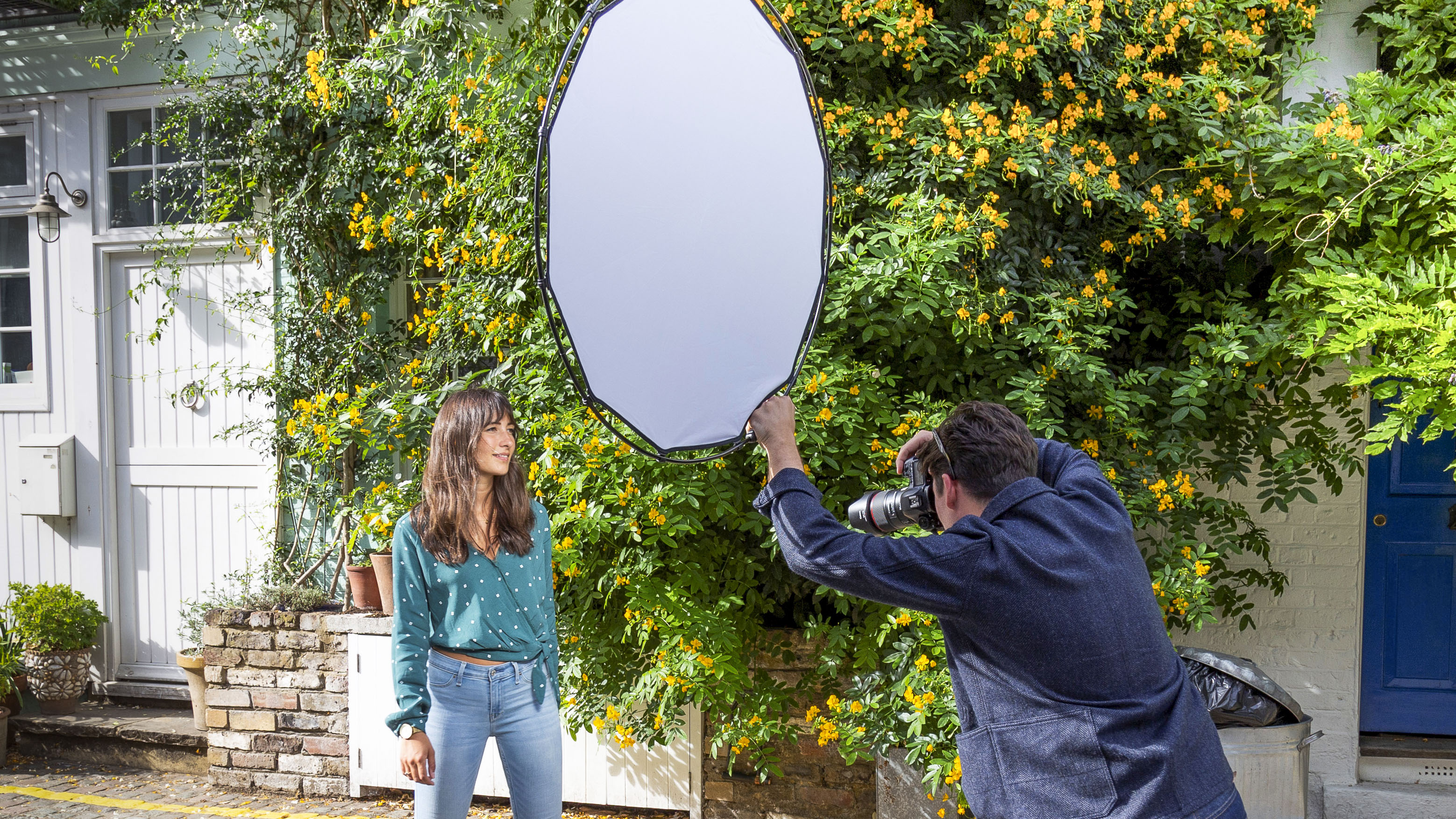 Lastolite reinvents its portable reflector