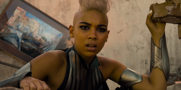 Dark Phoenix's Alexandra Shipp Doesn't Want A Storm And Black Panther Romance In The MCU