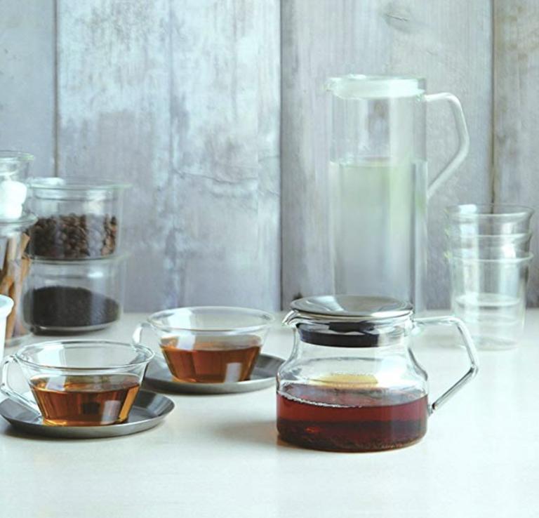 Marie Kondo's house: Kinto cast teapot