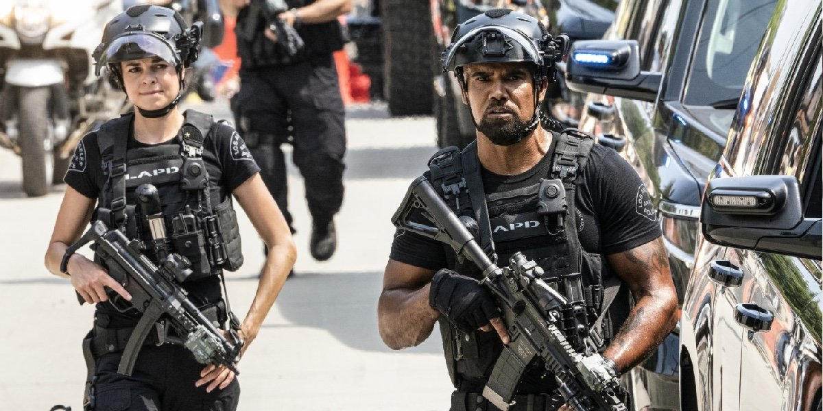 """Lina Esco as Chris Alonso and Shemar Moore as Daniel """"Hondo"""" Harrelson in S.W.A.T."""