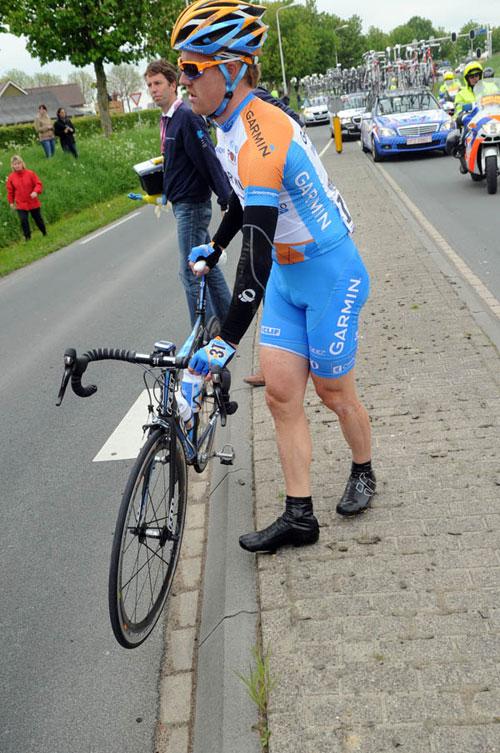 Tyler Farrar crash, Giro d'Italia 2010, stage 2
