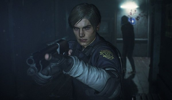 Leon Kennedy with gun in Resident Evil 2
