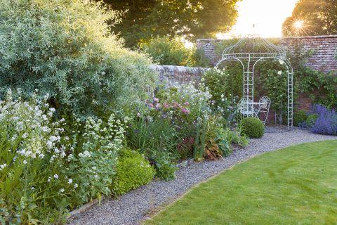 27 Cottage Garden Ideas Inspiration, How To Plan A Cottage Garden From Scratch