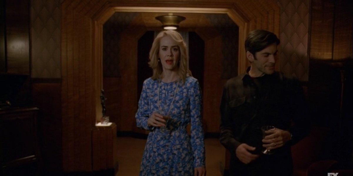Sarah Paulson as Billie Dean Howard in American Horror Story: Hotel, with Wes Bentley as John Lowe