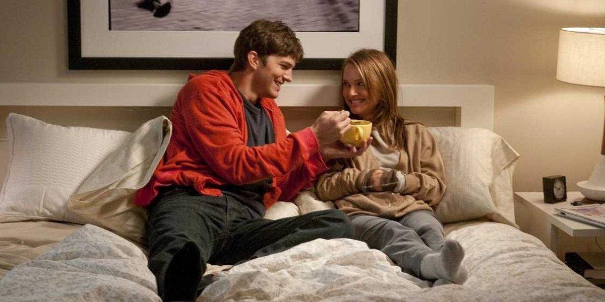 Ashton Kutcher and Natalie Portman in No Strings Attached