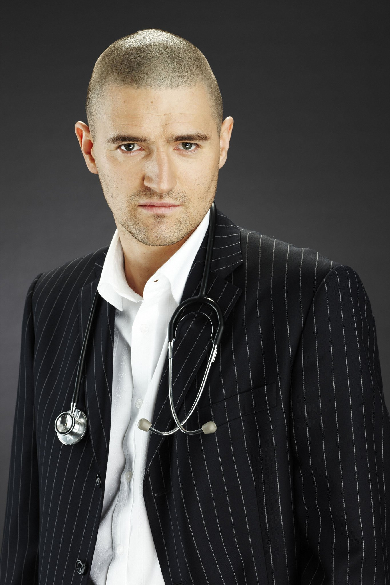 Tom Chambers set to quit Holby News Holby City