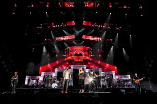 Claypaky Mythos2 and grandMA2 Consoles Light Lady Antebellum Tour