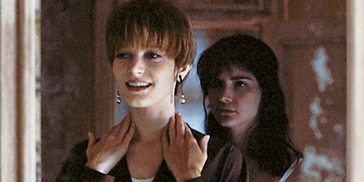 Bridget Fonda and Jennifer Jason Leigh in Single White Female