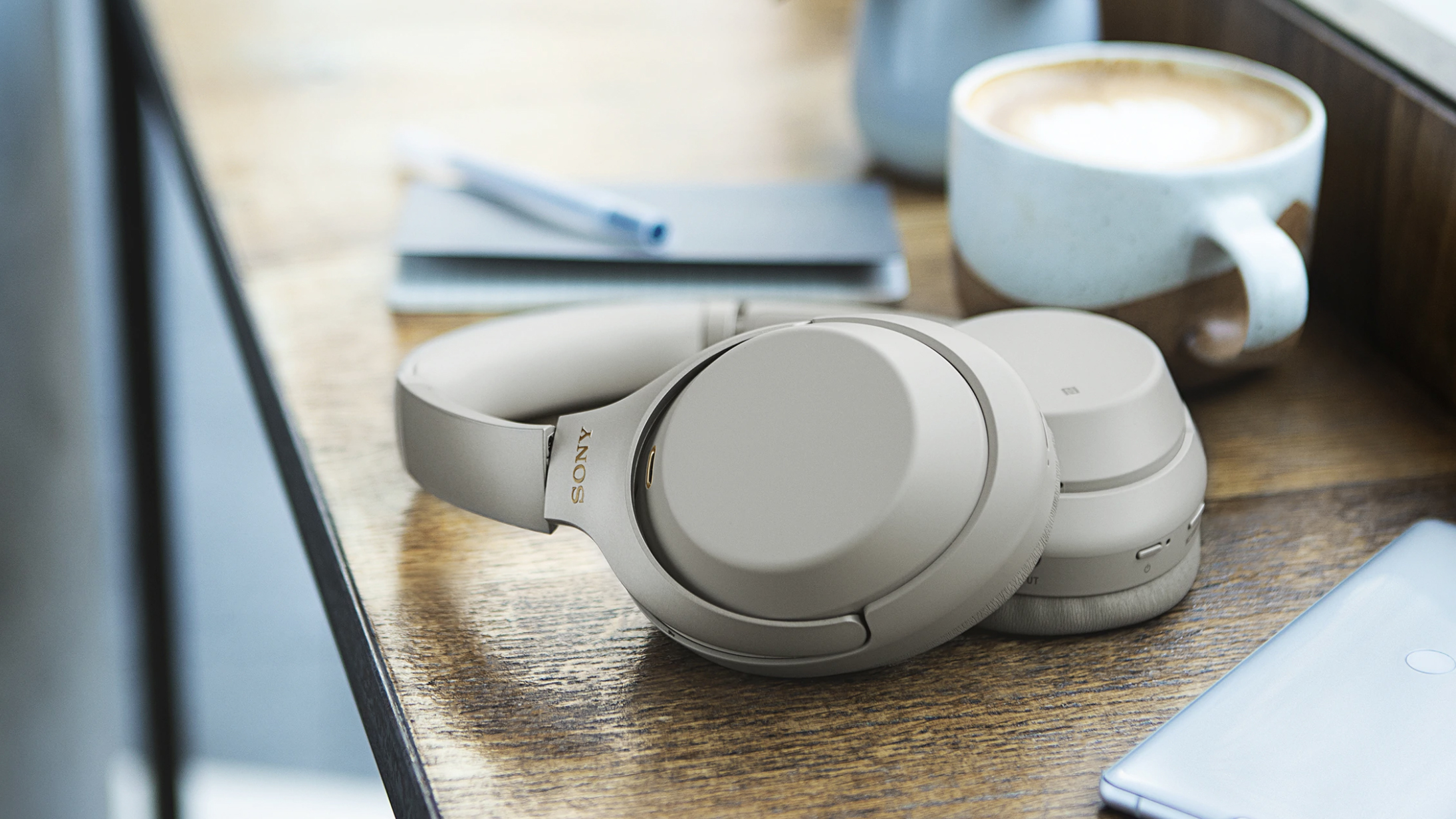 Wireless Bluetooth Travel Headphone