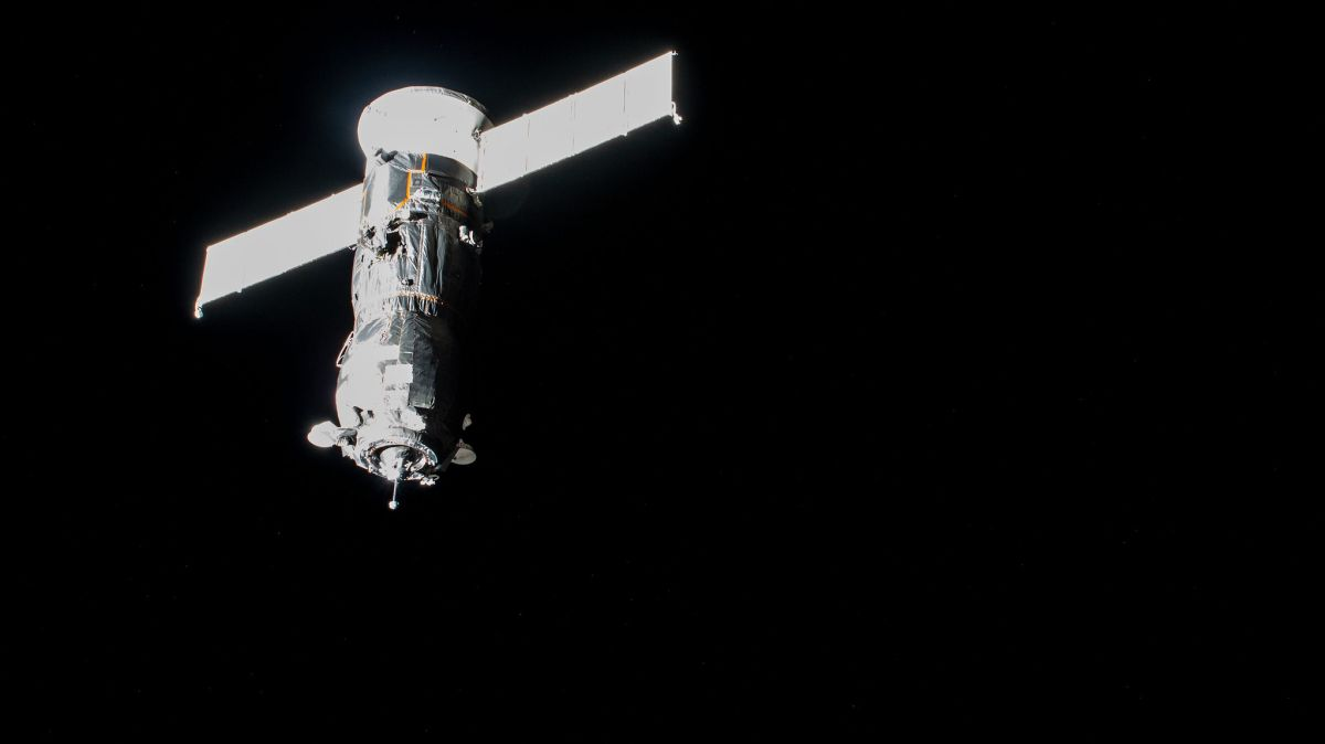 Russian cargo ship to make a novel day-long parking spot swap at space station - Space.com