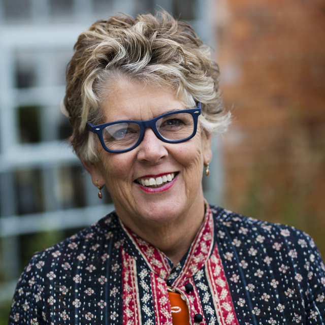 Mary Berry S Bake Off Replacement Is Prue Leith