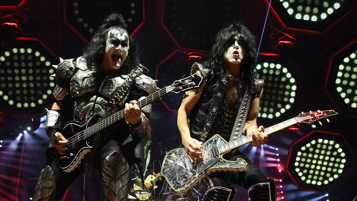 Kiss want to bring out all former members for their final show