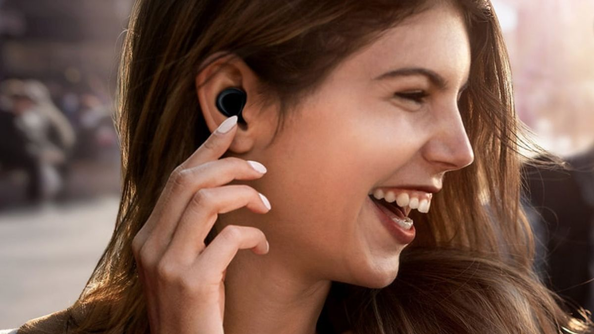 Samsung Galaxy Buds update includes hands-free Bixby voice control