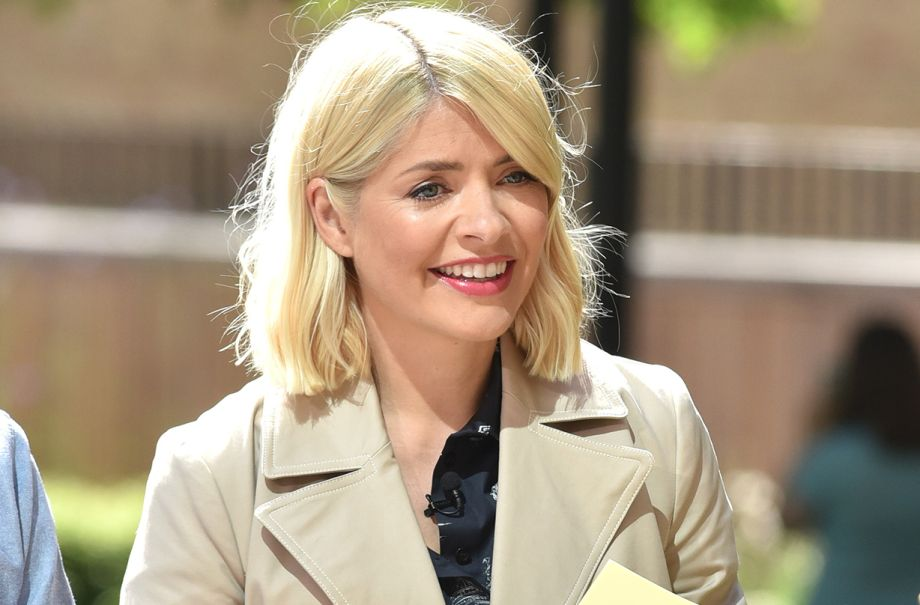 holly willoughby lorraine kelly slogan jumper available
