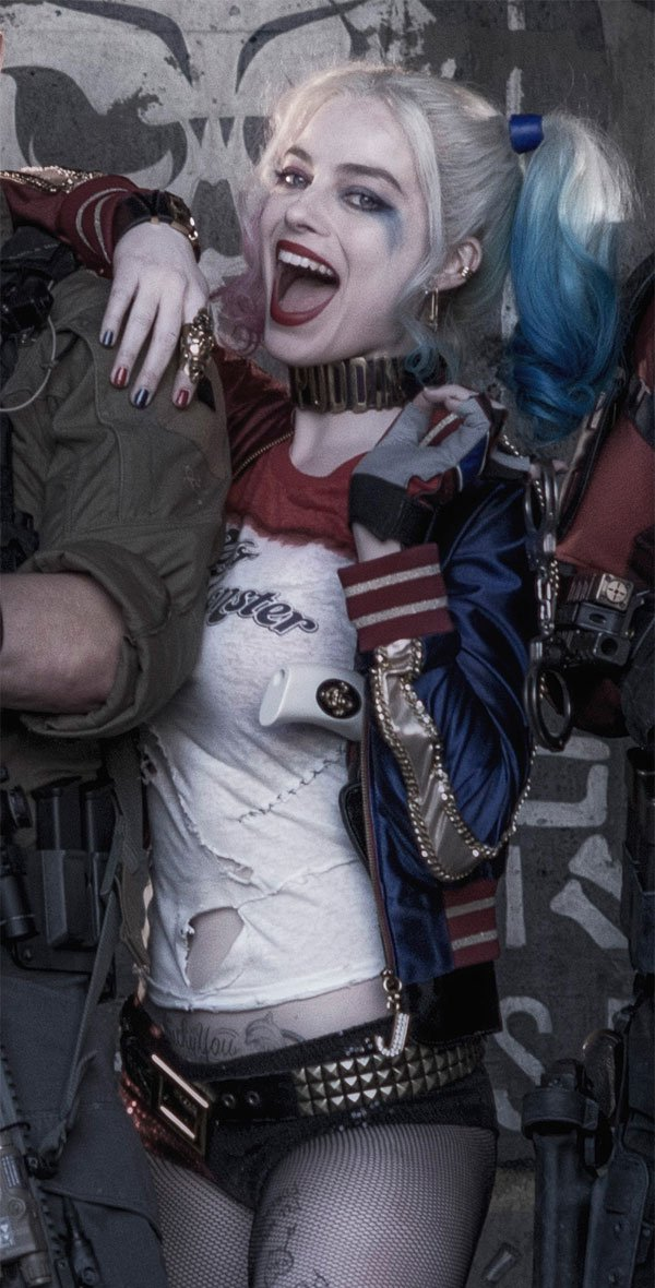 918d8ef77d89 Margot Robbie Had A Harley Quinn Birthday On The Suicide Squad Set ...