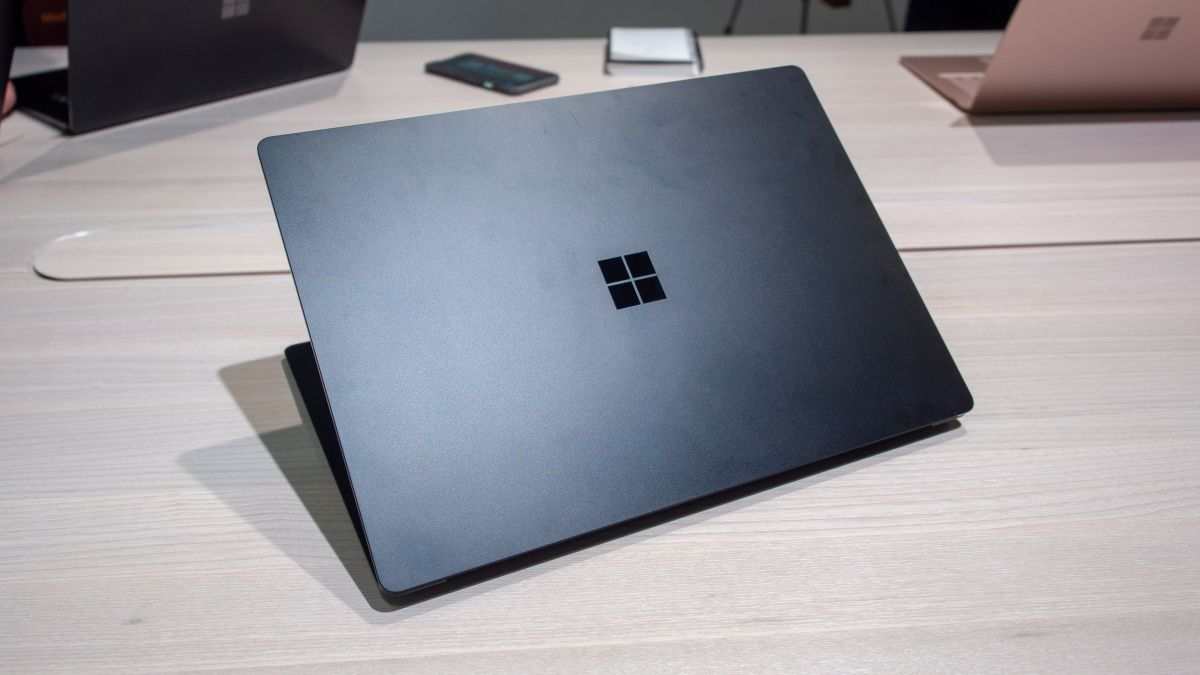 Surface Laptop 3 'unexpectedly' cracked screens will be repaired by Microsoft for free