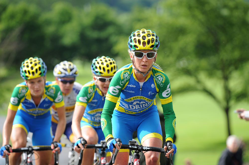 Pooley claims mountain title in Giro Donne