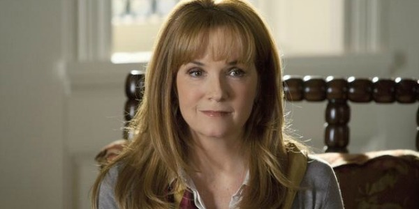 Lea Thompson in Switched At Birth