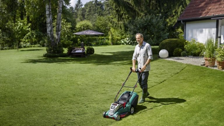 The best electric lawnmowers