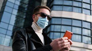Kein anderes Accessoire beschreibt 2020 so gut wie die Mund-Nasen-Bedeckung