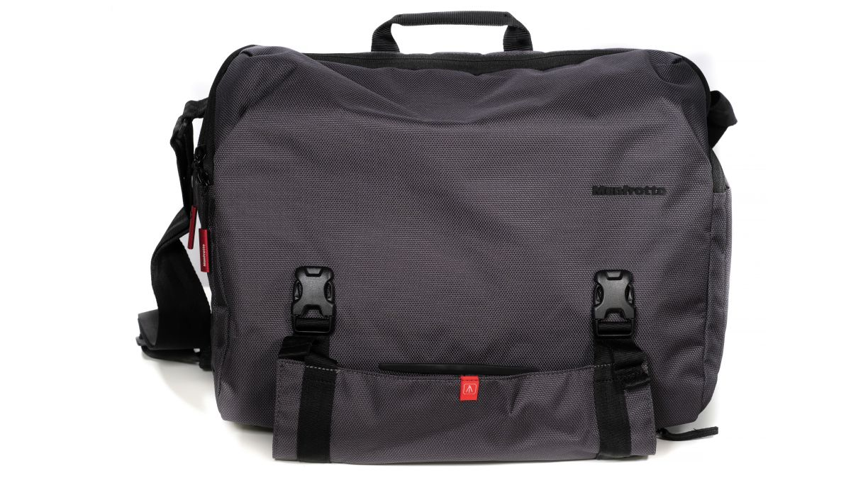 Manfrotto Manhattan Speedy-30 Messenger bag review