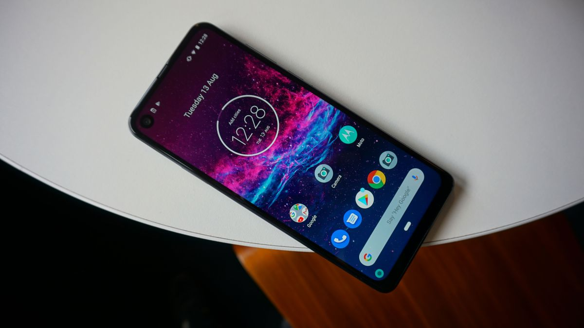 Motorola One Action announced with a never-before-seen camera feature - TechRadar thumbnail