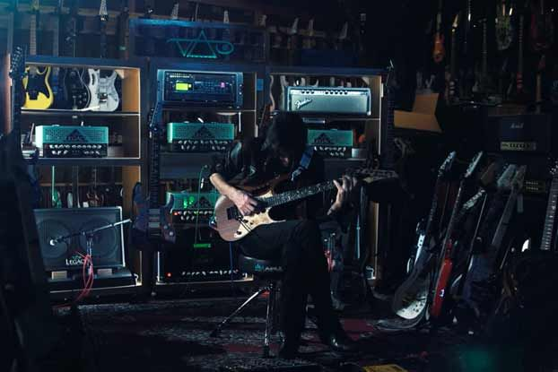 Steve Vai: Five Things We Learned from His New Ernie Ball 'String Theory' Episode