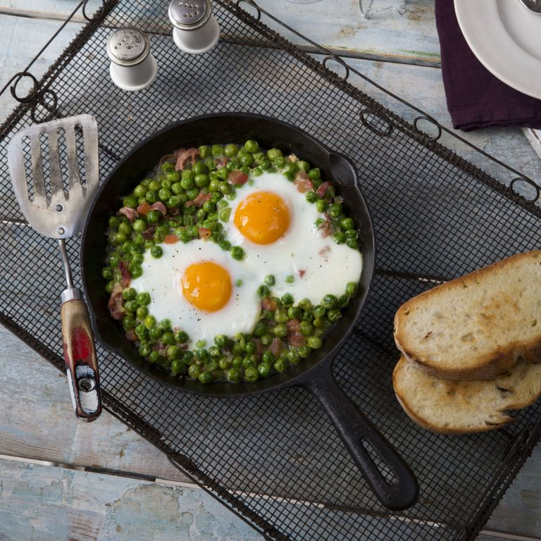 Jose Pizarro's Baked Eggs with Jamon, Peas and Tomatoes
