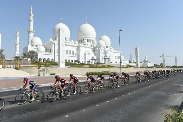 Peloton during stage two of the Abu Dhabi Tour 2015