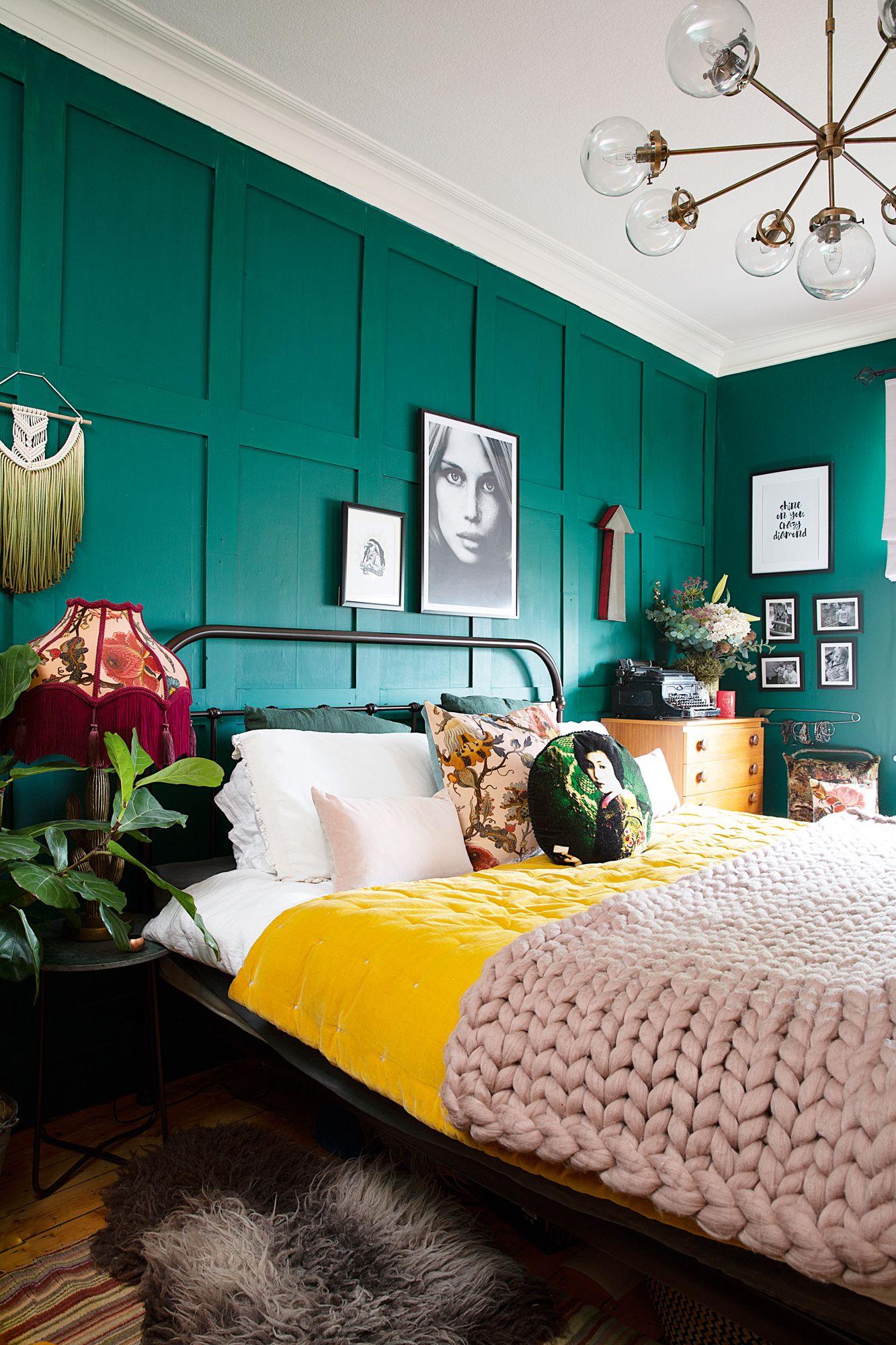 Slaapkamer met felle kleuren
