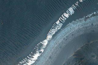 Once-Habitable Lake Found on Mars