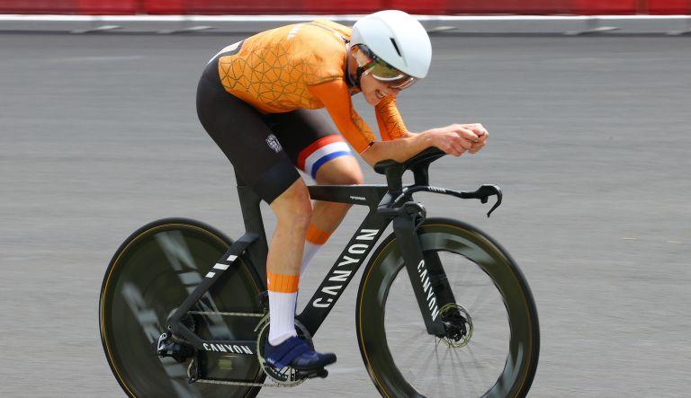 Annemiek van Vleuten at the Tokyo 2020 Olympic time trial