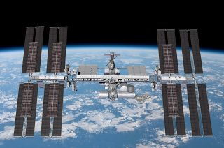 boeing solar arrays international space station