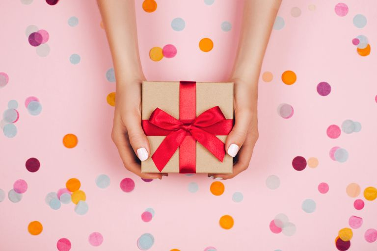 21st birthday gifts and present ideas for him and her