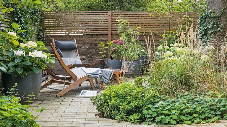 Garden bath ideas brick path hero