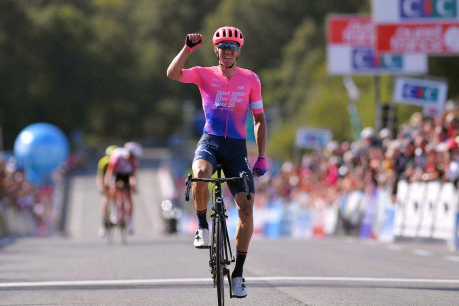 Sep Vanmarcke beats Tiesj Benoot to Bretagne Classic 2019