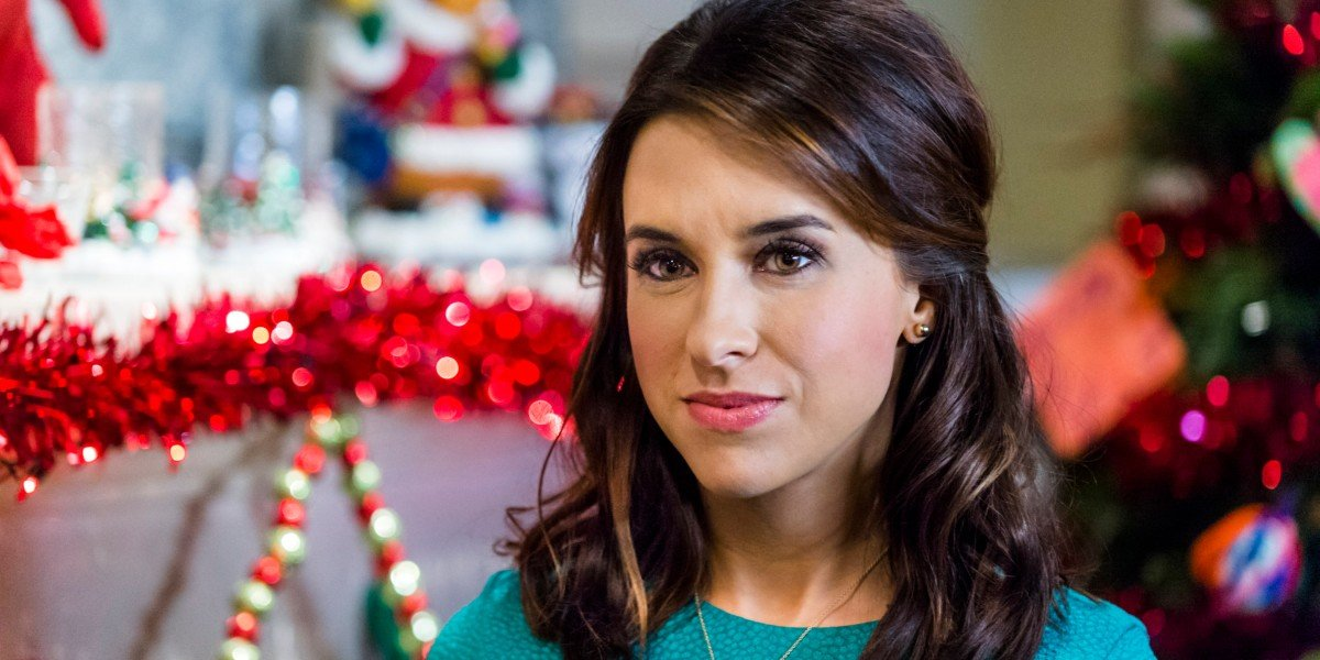 Lacey Chabert in Family For Christmas
