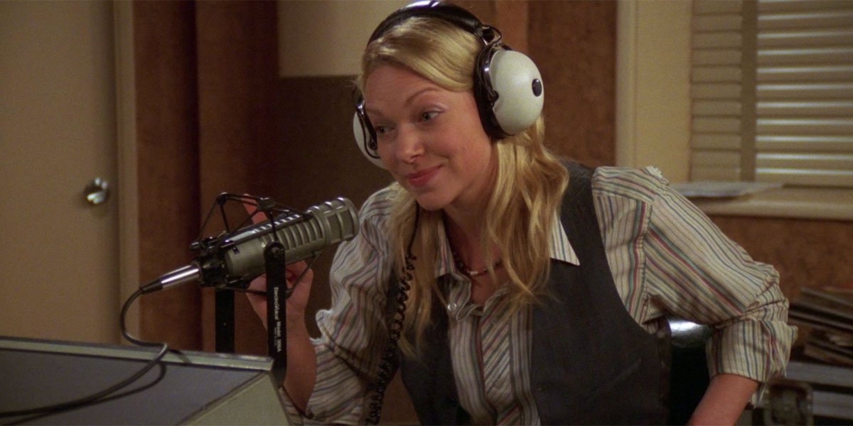 Hot Donna on the radio That '70s show early 2000s, Laura Prepon reveals weight gain due to bulimia.