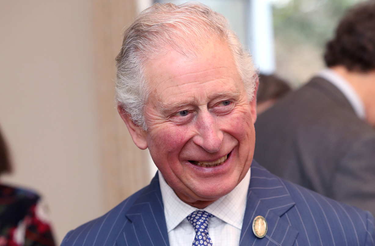 Fans praise Prince Charles as he makes sweet gesture amidst storm